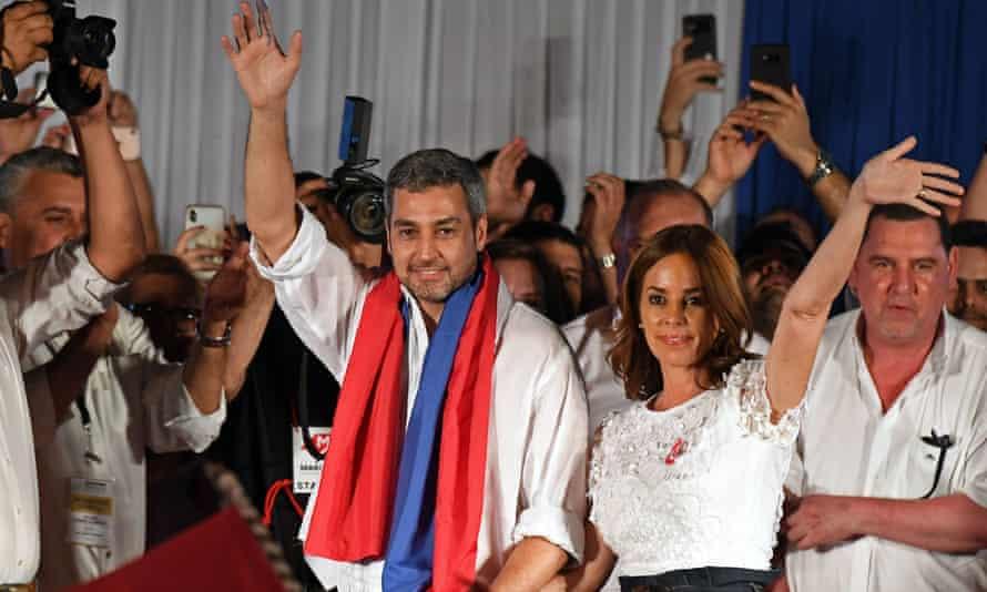 Paraguay's new president, Mario Abdo Benítez, next to his wife, Silvana López Moreira.