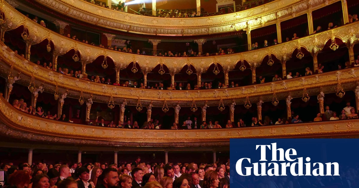 Theatre in UK faces exodus of women after pandemic, study finds