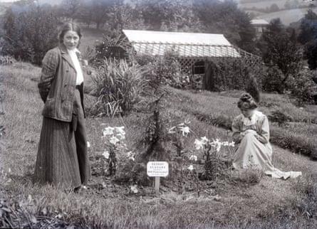 Adela Pankhurst and Annie Kenney