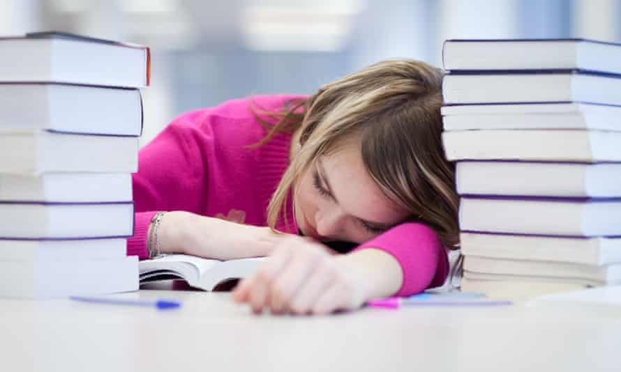 High schoolers were getting an average of 6.7 hours of sleep per a night – well below the recommended nine-hour benchmark, which only 7% of students were hitting.
