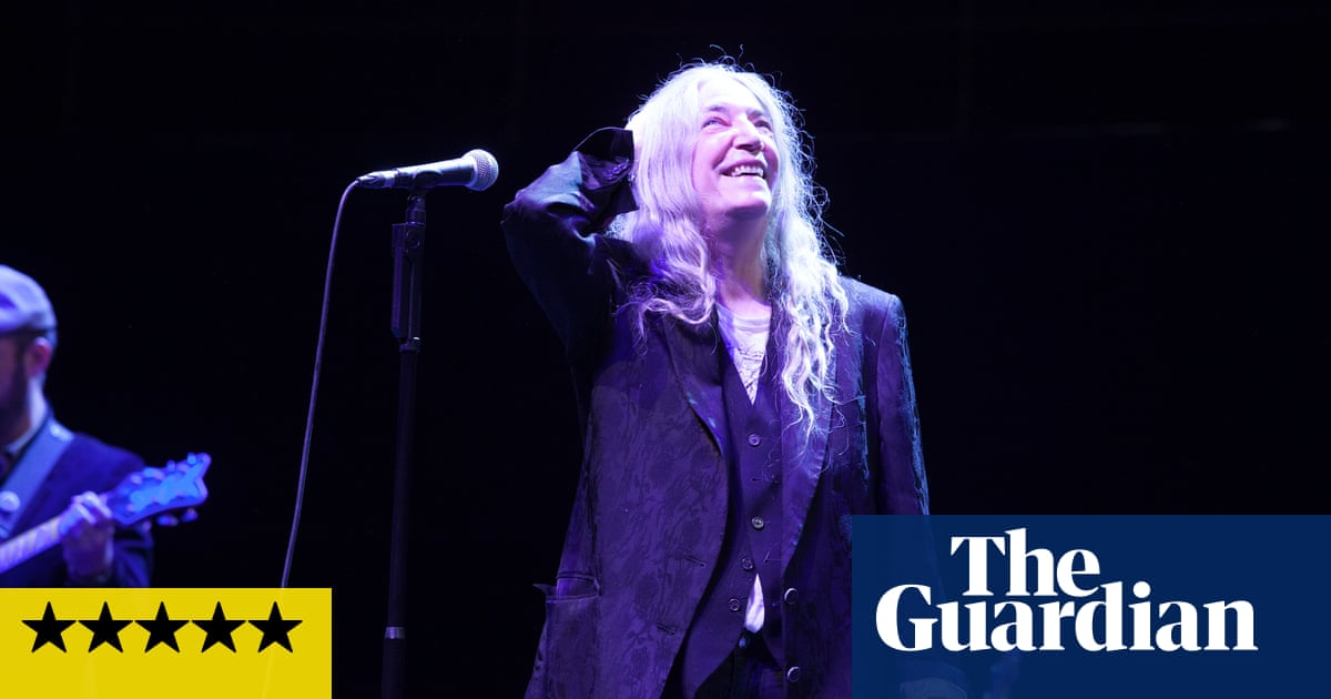 Patti Smith review – communing with a rock'n'roll seer