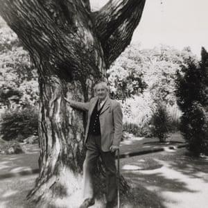 Tolkien in Oxfod's Botanic Garden, 1973.