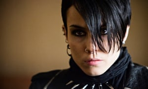 """Lisbeth Salander (NOOMI RAPACE) in THE GIRL WITH THE DRAGON TATTOOFilm still"""
