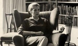 Writer Elizabeth Jane Howard in 1962.