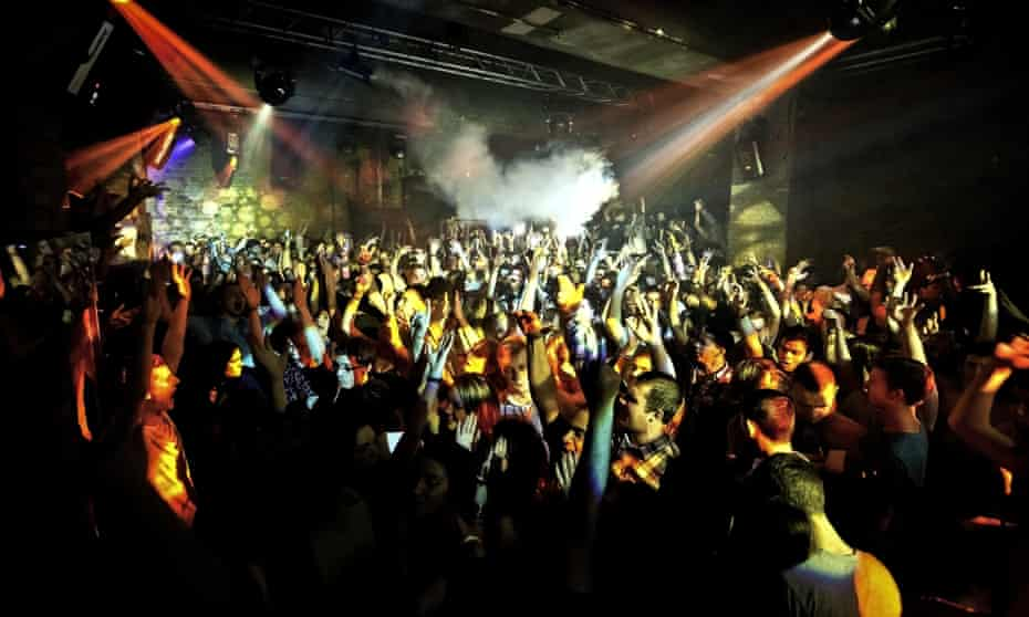 Crowd at Fabric nightclub, Farringdon, London. (Photo by: PYMCA/UIG via Getty Images)