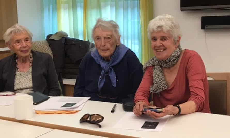 Writing From Life workshop before the pandemic, from left: Marjorie Horton, Rebecca Rikleen, Nancy Eder.