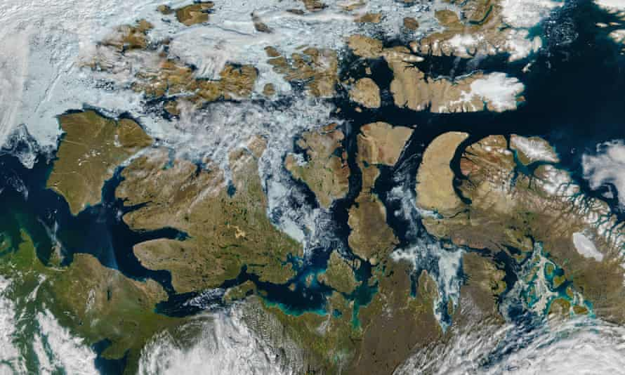 A nearly ice-free Northwest Passage in the Arctic in August 2016