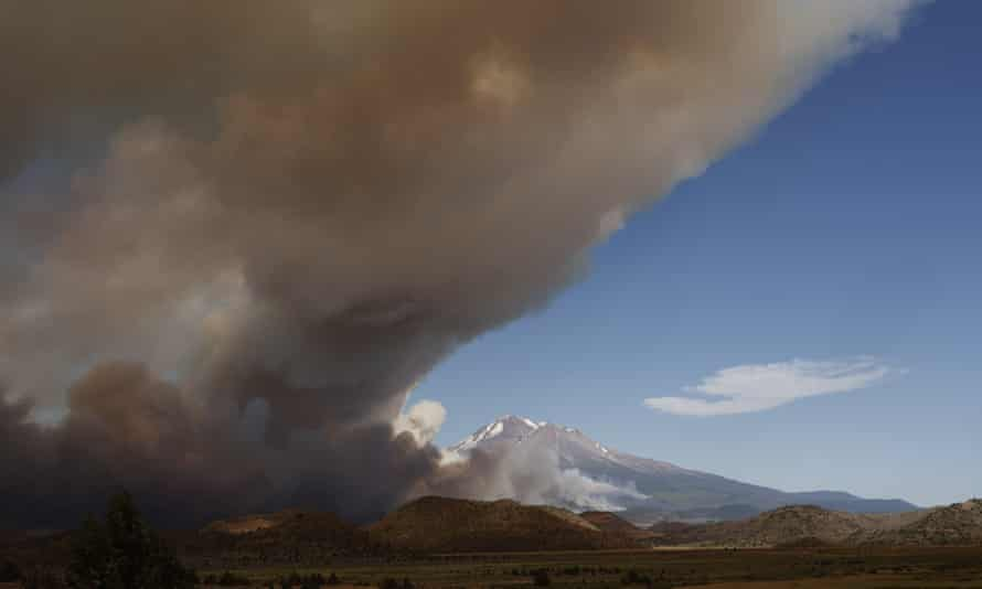 A haze of smoke from Lava Fire is seen near Mount Shasta, in Siskiyou country, California.