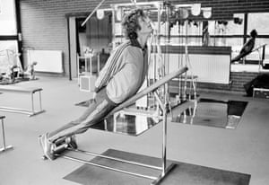 Warwickshire and England bowler Bob Willis exercising in the Health Clinic run by England physiotherapist Bernard Thomas at Edgbaston in October 1982.