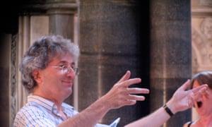 Robert Hanson conducting the Morley College chamber choir.