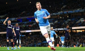 Kevin De Bruyne celebrates his goal against West Ham