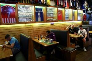 Fans at the Adega Sports Bar in Porto.