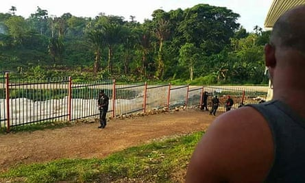 Security guards from PNG company Kingfisher forcibly took over security at the Manus Island sites from Australian contractors this week. The PNG government is demanding security positions be filled by local staff.