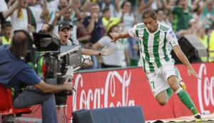 Joaquín celebrates after scoring his second goal in the Betis win over Deportivo.