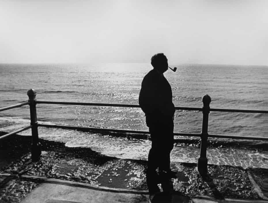 Harold Wilson in silhouette.