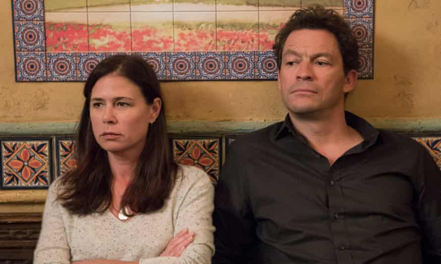 Helen (Maura Tierney) and Noah (Dominic West)
