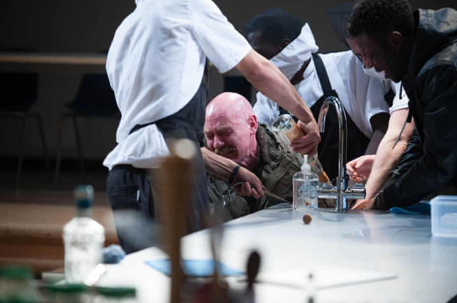Titus Andronicus at the Dundee Rep