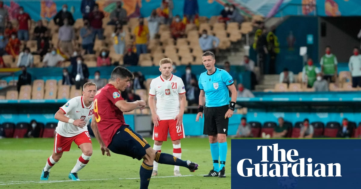 Misfiring Spain scramble for answers before must-win Slovakia game