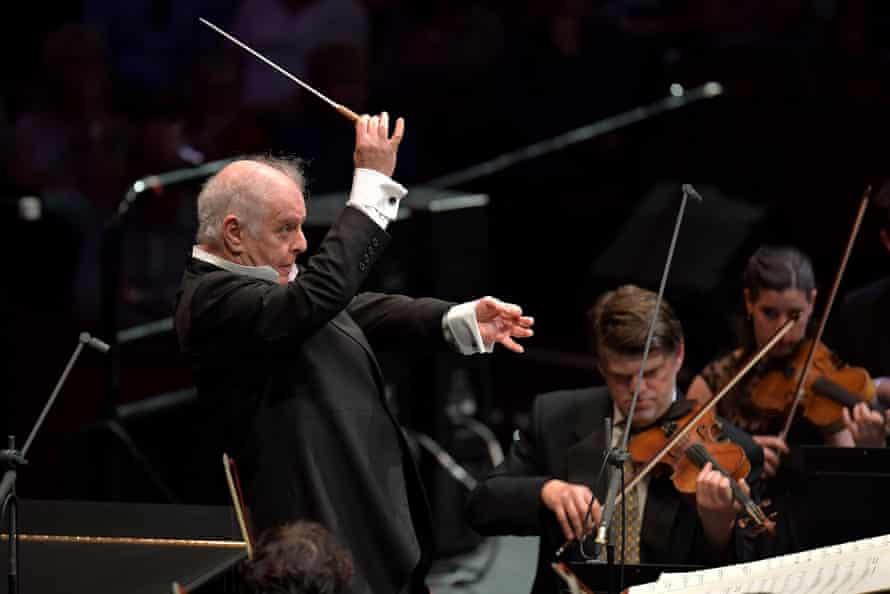Daniel Barenboim conducts the West-Eastern Divan Orchestra in Prom 43.