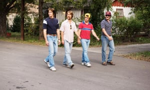 The midblue jeans en masse in Everybody Wants Some!!