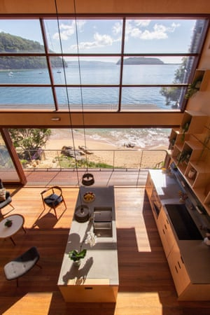 Hart House is located on the idyllic shoreline of Great Mackerel Beach and was conceived as a contemporary interpretation of the quintessential one-room Australian beach shack