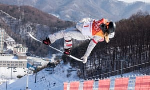 Chloe Kim competes during ladies' halfpipe finals of snowboard PyeongChang 2018