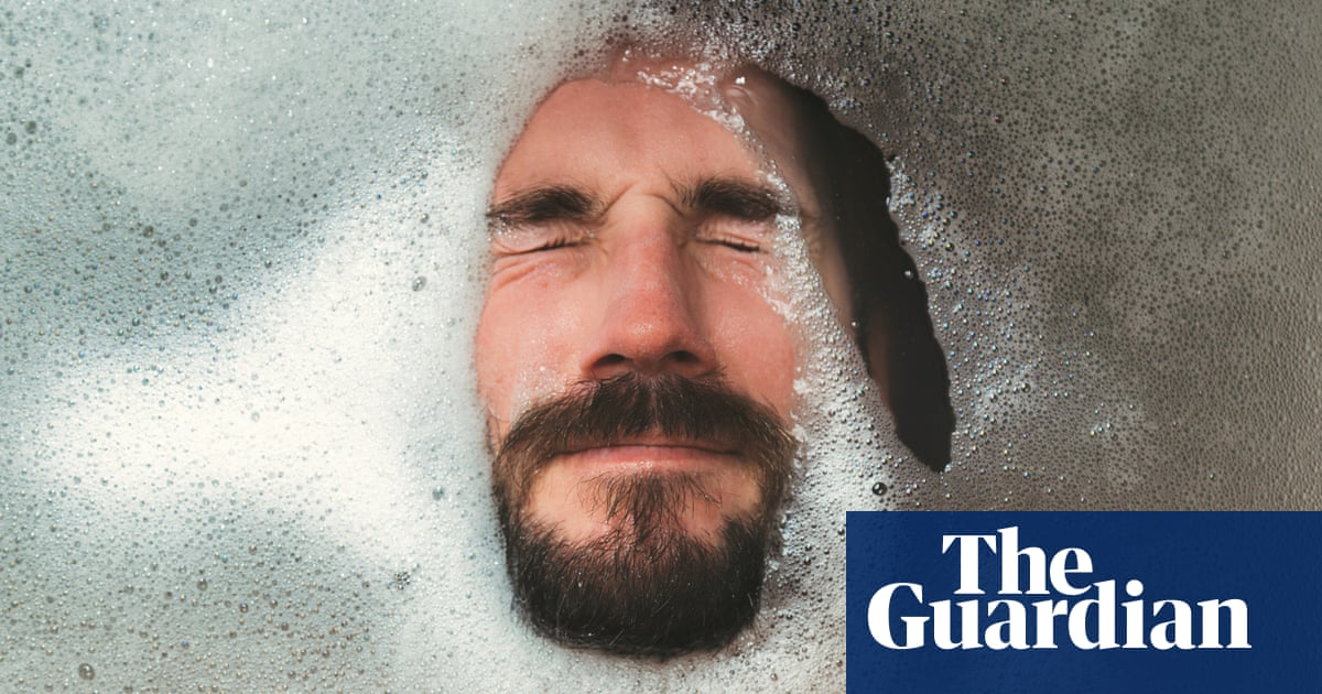 Hot tub health kick: why a long bath is almost as good for you as a long run