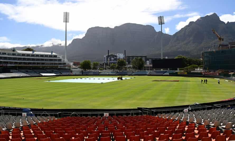 Staff leave Newlands cricket ground