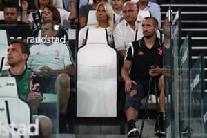Giorgio Chiellini watches from the sidelines in Turin.