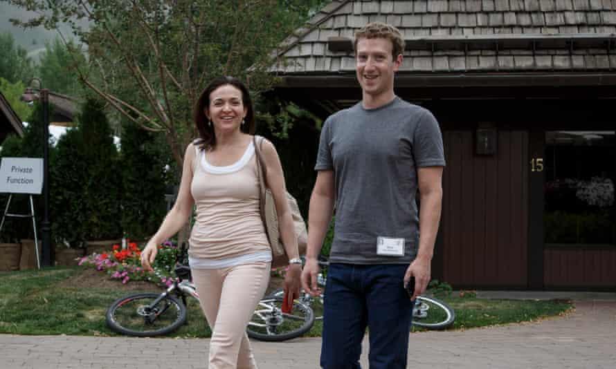 Mark Zuckerberg with Sheryl Sandberg in 2014.