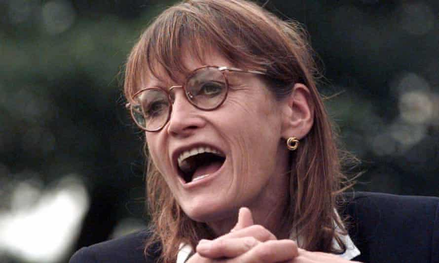 """Actress Margot Kidder speaks to the media outside a mental health convention in Vancouver in 1999. Kidder drew laughs and compassion from delegates by describing her public """"outing"""" as a manic depressive."""