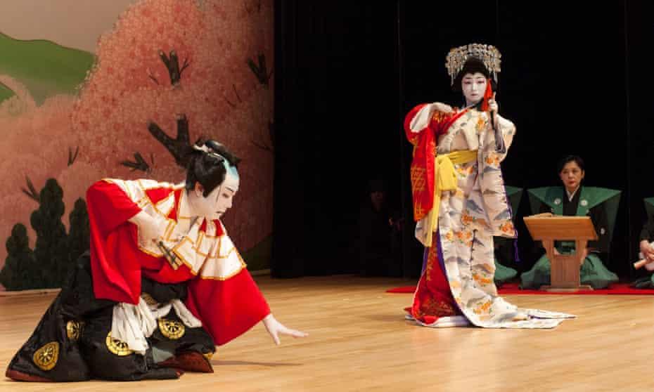 Japanese Kabuki actors Bando Kotoji (left) and Nishizako Sakurako.