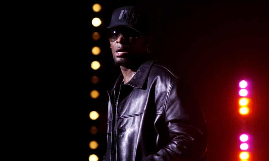R. Kelly in concert