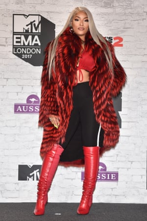 MTV EMAs 2017 - Winners RoomLONDON, ENGLAND - NOVEMBER 12: Stefflon Don poses in the Winners Room during the MTV EMAs 2017 held at The SSE Arena, Wembley on November 12, 2017 in London, England. (Photo by Stephane Cardinale - Corbis/Corbis via Getty Images)