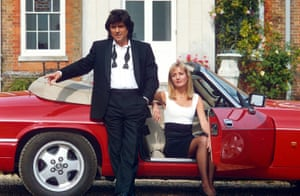 Ian McShane and Caroline Langrishe in 1993 in Lovejoy.