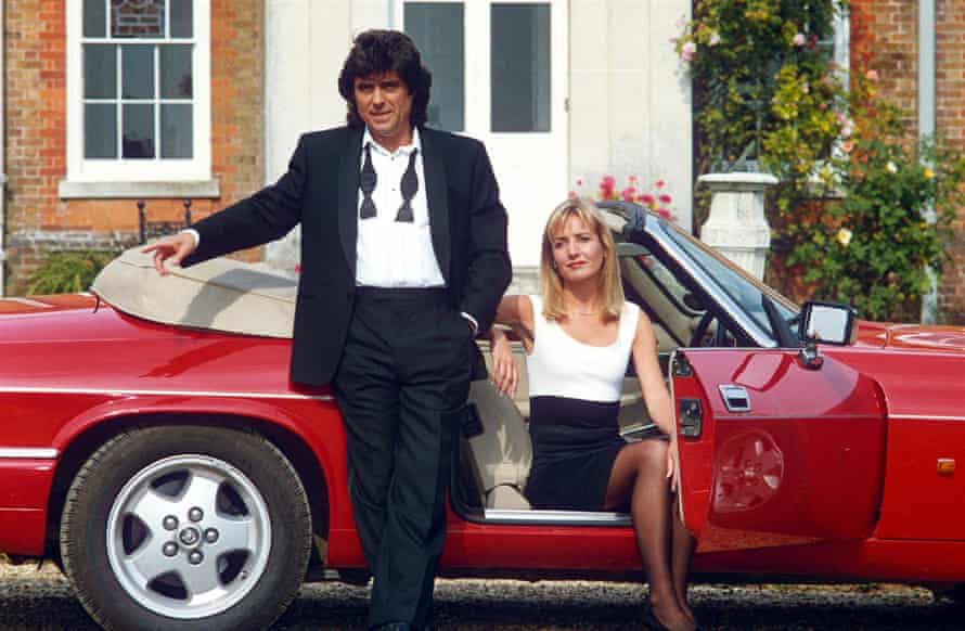 Ian McShane and Caroline Langrishe in 1993 in Lovejoy.