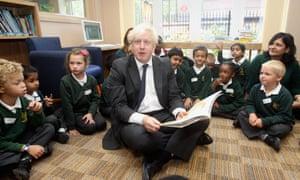 Boris Johnson reads to children