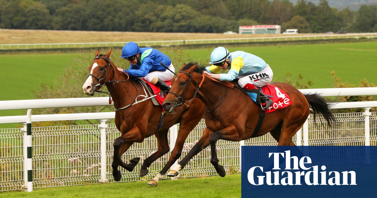 Dancing King holds on to give Mark Johnston third successive March Stakes