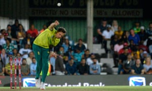 Steyn starts off for South Africa.