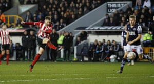 Sheffield United's Oliver Norwood scores from distance.