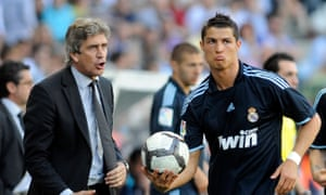 Manuel Pellegrini and Cristiano Ronaldo at a Real Madrid game in 2010.