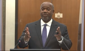 Prosecutor Jerry Blackwell questions Dr. David Fowler.
