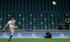 England's Owen Farrell thumps home a penalty.