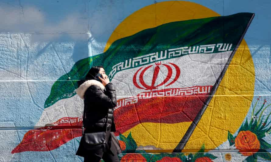 A mural of the Iranian flag in Tehran