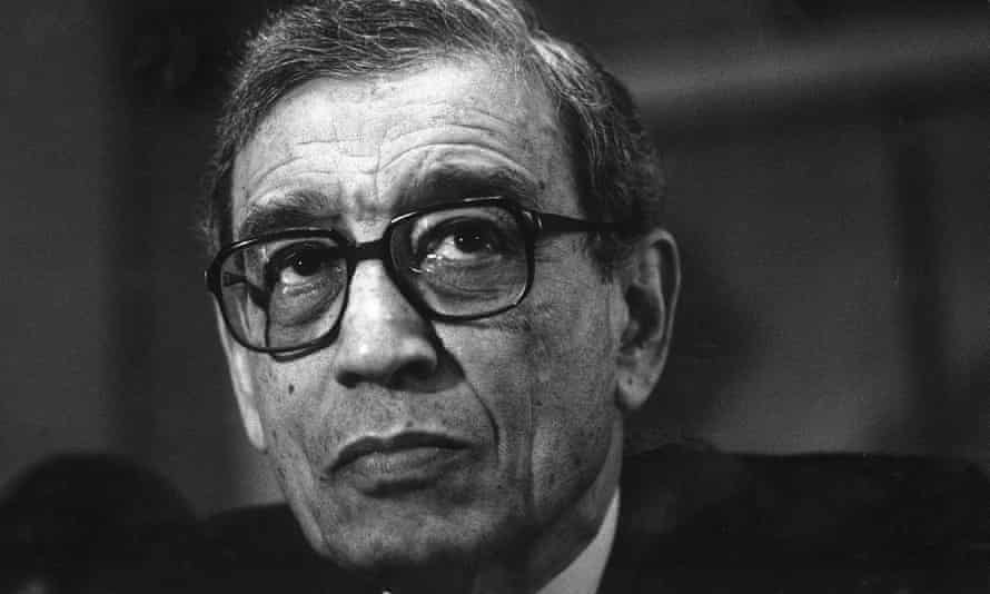 Boutros Boutros-Ghali giving a press conference in 1992 at the Dorchester Hotel in London.