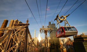 A cable car travels from Roosevelt Island to Manhattan. New Yorkers breathe air that is far cleaner that in London or Berlin, the WHO has found.