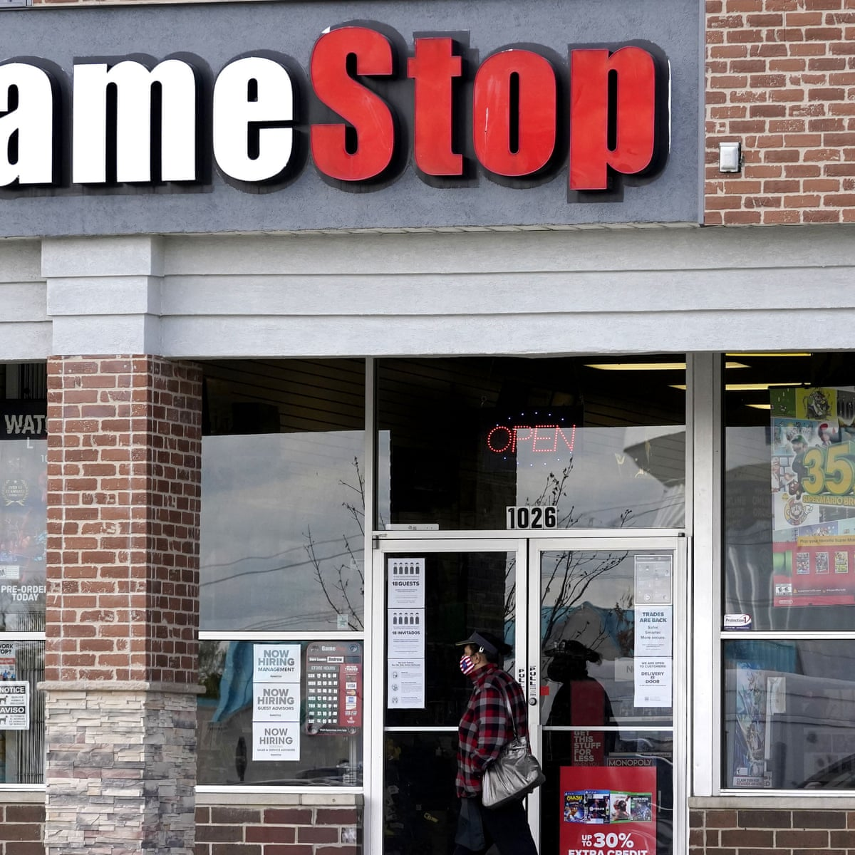 How Gamestop Found Itself At The Center Of A Groundbreaking Battle Between Wall Street And Small Investors Business The Guardian