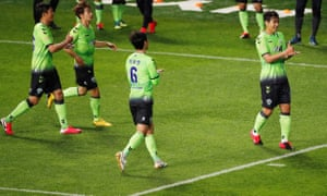 Lee Dong-Gook celebrates