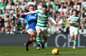 Arfield takes down McGregor.