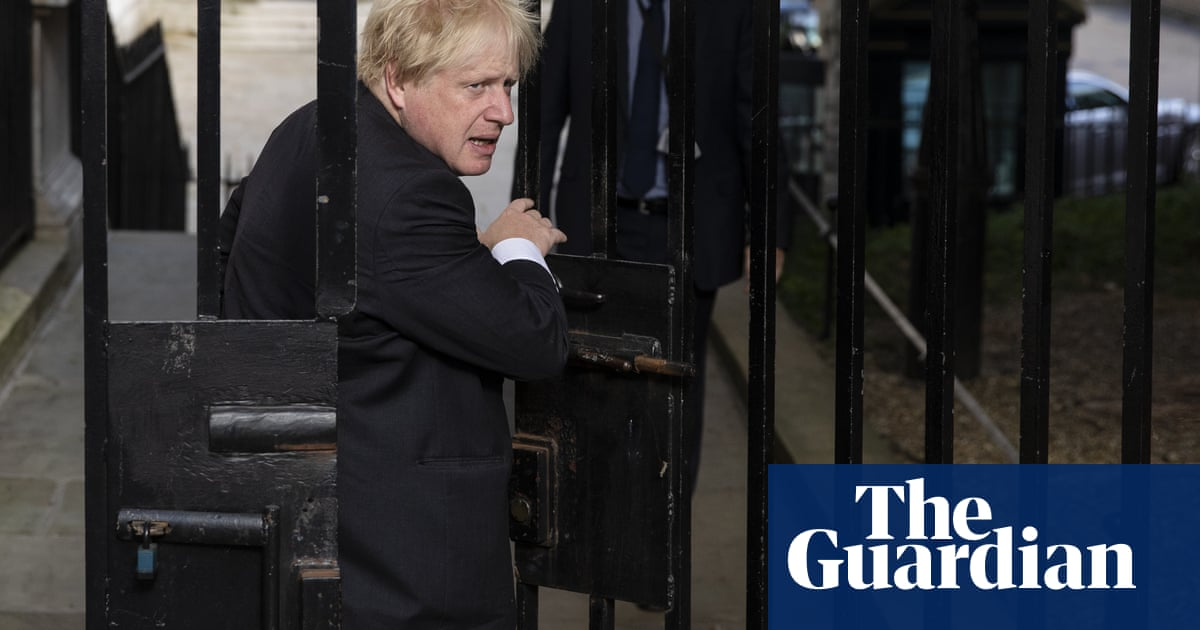Boris Johnson resigns as foreign secretary over May's Brexit plans